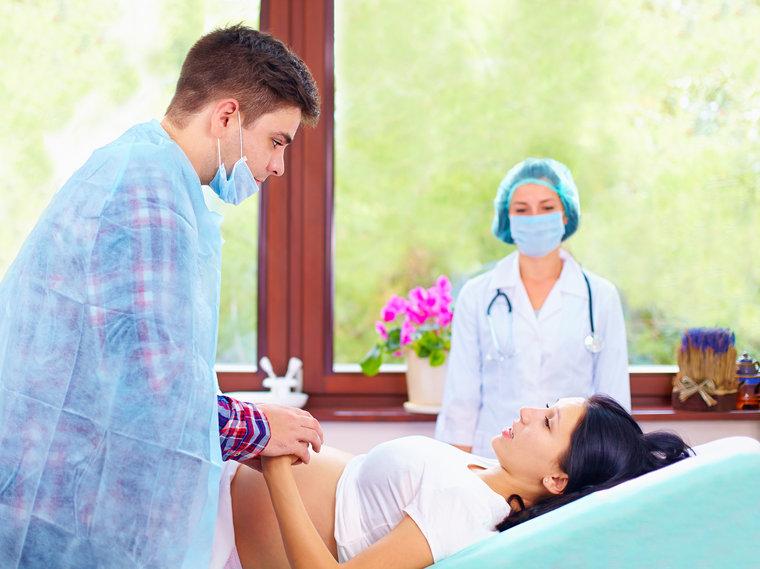 Присутствие мужа на родах: за и против