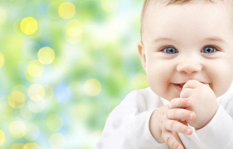 Видео «Купание новорожденного в роддоме Франции» породило острую полемику на российских форумах
