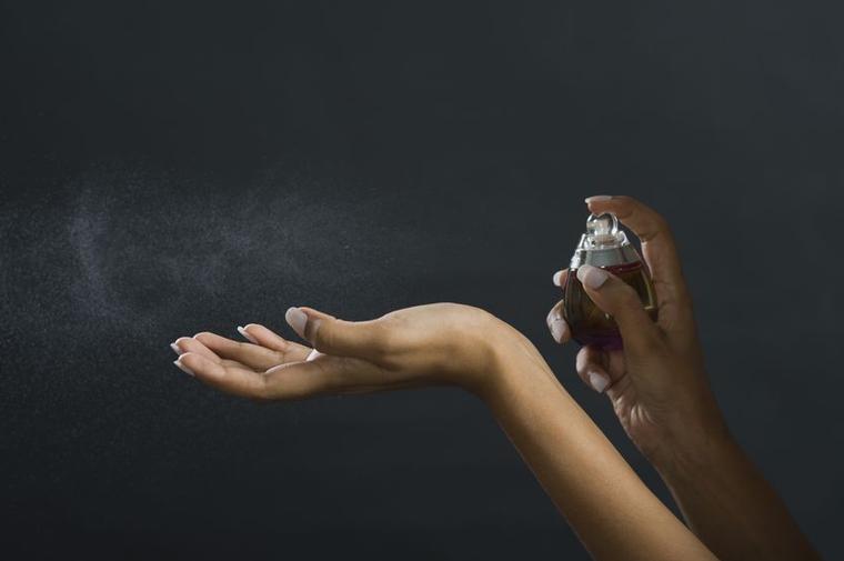 4 причины, по которым ваш парфюм быстро исчезает